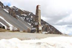 Kolumna Col d ` Izoard w francuza Queyras Naturalnym parku zdjęcia royalty free