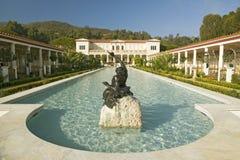 Kolumnada i basen Getty willa długo, Malibu J willa Paul Getty muzeum w Los Angeles, Kalifornia obraz stock