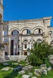 Kolumnada perystylu kwadrat, rozłam, Chorwacja obrazy royalty free