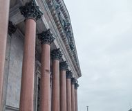 Kolumnada St Isaac ` s katedra zdjęcia royalty free