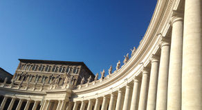 Kolumnada St Peter (2) Rzym, Włochy - - watykan - Obrazy Stock