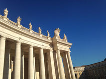 Kolumnada St Peter Rzym - watykan - Zdjęcia Stock
