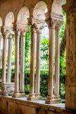 Kolumnada w antycznym kościół katolickim Dubrovnik obrazy royalty free