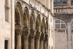 kolumnady Dubrovnik pałac książęcy Obrazy Royalty Free