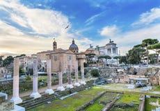 Kolumny kurii kościół Romański forum Rzym Włochy Zdjęcia Stock