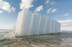 Kolumny lód na zamarzniętej powierzchni Jeziorny Baikal Obraz Stock