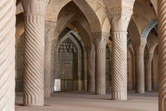 Kolumny Nasir al meczet w Shiraz, Iran fotografia royalty free