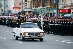 Kolumny ?o?nierze Rosyjski wojsko przy zwyci?stwem Paraduj? fotografia royalty free