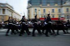 Kolumny ?o?nierze Rosyjski wojsko przy zwyci?stwem Paraduj? obraz royalty free