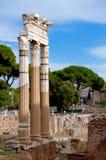 Kolumny przy foro romano Włochy - Roma - Obrazy Stock