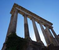 Kolumny w Romańskim forum, Rzym, Włochy Zdjęcie Stock