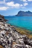 Kolymbia strand med den steniga kusten Fotografering för Bildbyråer