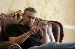 komórki mężczyzna telefonu używać Obraz Stock
