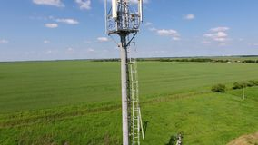 komórki wieży Wyposażenie dla retransmitować komórkowego i mobilnego sygnał zbiory
