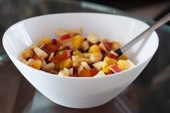 kom de salade van het fruitdessert stock afbeelding