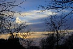 kom den övre vintern för dimmasolnedgången Fotografering för Bildbyråer