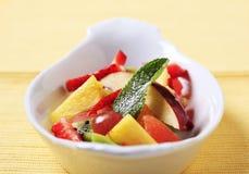 Kom fruitsalade Stock Afbeelding