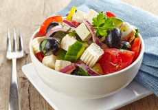Kom Griekse salade Stock Afbeelding