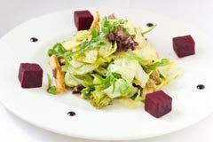 Kom Griekse salade royalty-vrije stock afbeelding