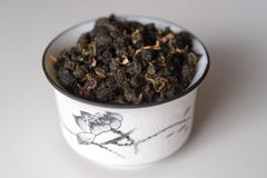 Kom met thee op een witte achtergrond Stock Fotografie