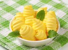 Kom van boterkrullen royalty-vrije stock foto