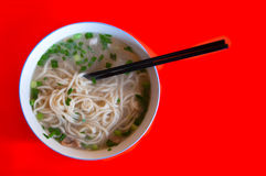 Kom van eenvoudige tarwenoedels, Peking, China stock fotografie