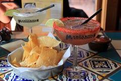Kom van gluten vrije spaanders, salsa en heerlijke margaritas, Margaritas-Restaurant, Augusta, Maine, 2018 stock afbeeldingen