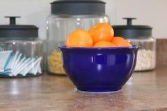 Kom van sinaasappelen Royalty-vrije Stock Foto's