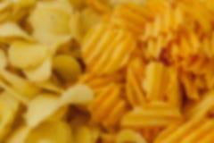 Kom van spaanders en pistache - perfecte snack voor partij stock foto
