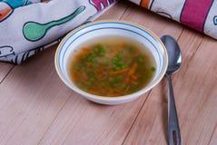 Kom Warme Soep met Groene Erwten Royalty-vrije Stock Foto