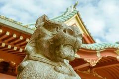 Komainu神田Myojin神道圣地雕象卫兵在东京,日本 库存图片