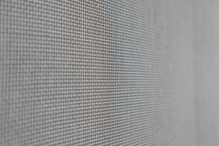 Komar sieci druciany ekran na domowej nadokiennej ochronie obrazy stock