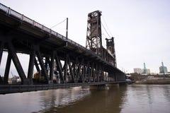 Kombinierte Transportbrücke über Fluss Willamette Portland FO tr Lizenzfreies Stockfoto