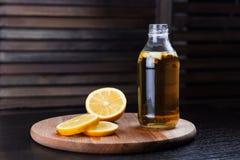 Kombucha med citronen Arkivfoton