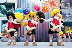 Komiczni kostiumy i ballons fotografia stock