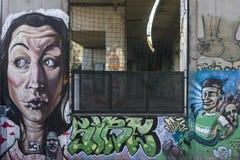 Komiker på väggen Royaltyfri Fotografi