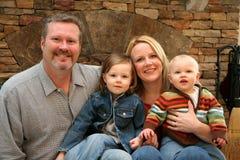 kominek front rodzinny zdjęcia royalty free