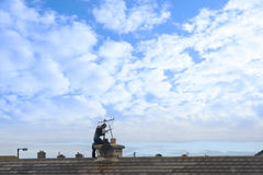 kominowa dachu zakresu praca Zdjęcia Stock