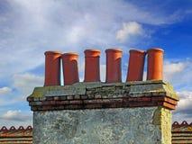 Kominowej sterty dachu garnki Fotografia Royalty Free
