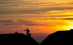 Kominowy zakres na dachu - sylwetka Zdjęcia Royalty Free