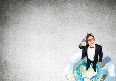Komischer Geschäftsmann in den roten Gläsern Lizenzfreies Stockfoto
