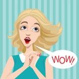 Komisk flicka med anförandebubblan Royaltyfri Bild