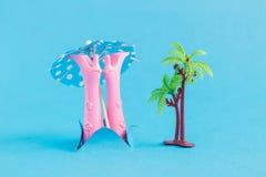Komiskt idérikt abstrakt tropiskt begrepp för dykning Arkivbilder
