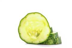 Komkommer, besnoeiing in stukken Stock Foto's