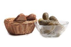 Komkommer en brood twee Stock Foto