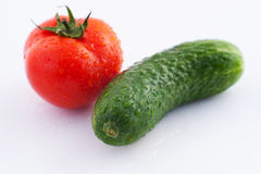 Komkommer en tomaat Stock Afbeelding