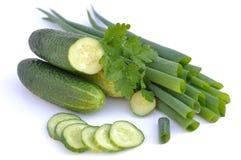 Komkommer, jonge haan, ui Stock Afbeeldingen