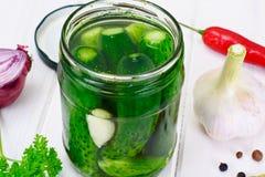 Komkommer in Marinade, Groenten in het zuur Royalty-vrije Stock Afbeeldingen