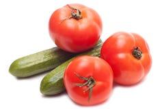 Komkommers en tomaten Royalty-vrije Stock Afbeeldingen