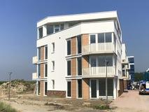 Kommande avslutning för konstruktion av en modern hyreshus i Almere Poort Royaltyfria Bilder